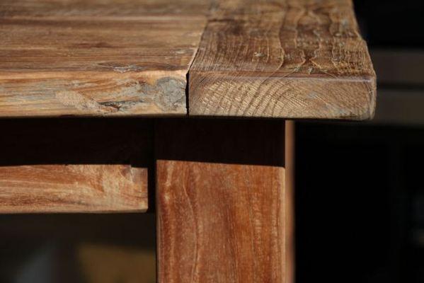 Tische aus altem holz exklusive holztische und st hle for Exklusive wohnzimmer tische
